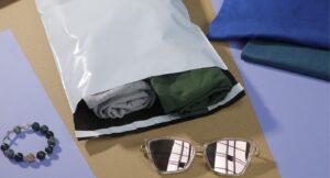 jak zapakowac ubrania do wysylki